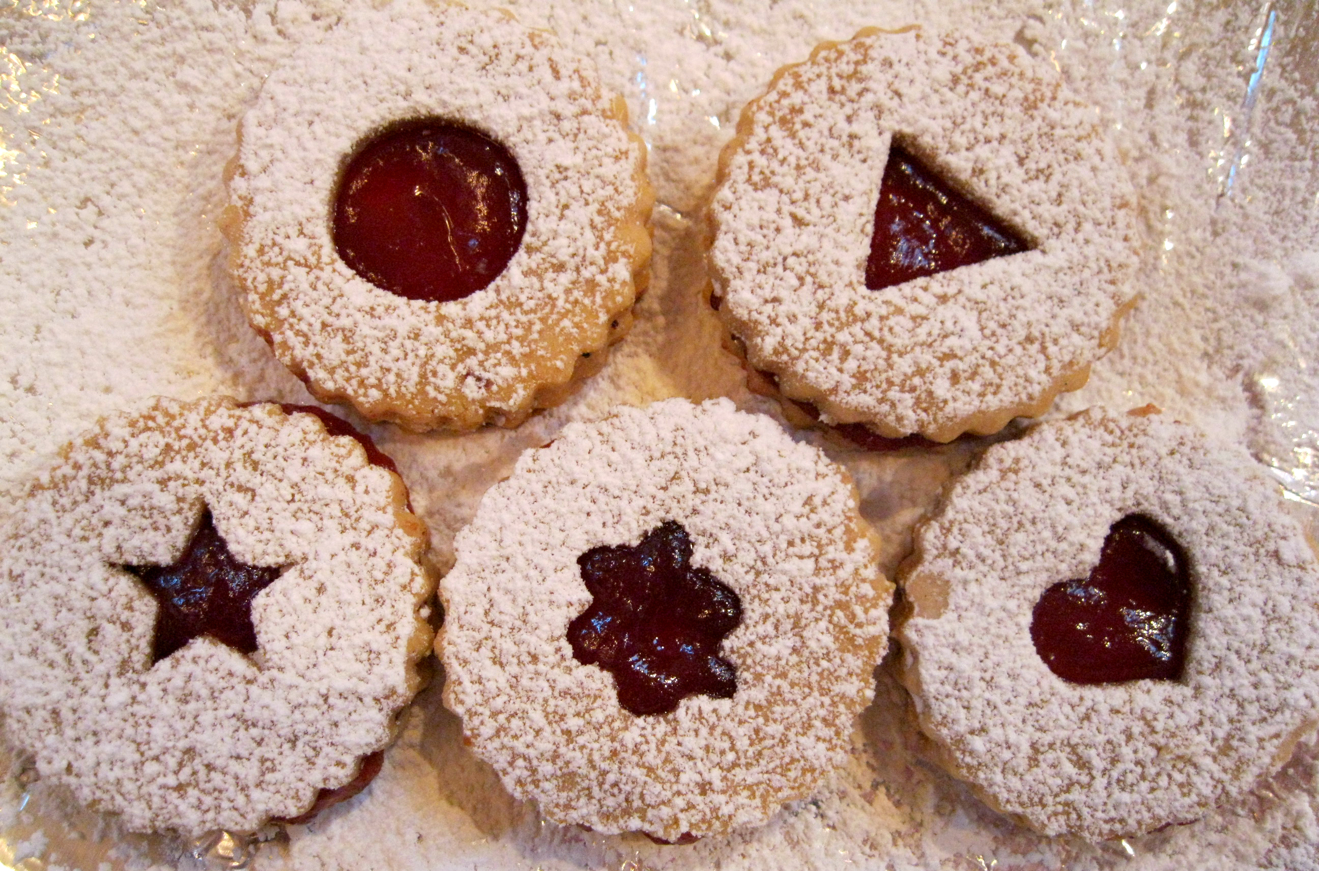 Old-Fashioned Linzer Tart Cookies | Epicurean Bliss